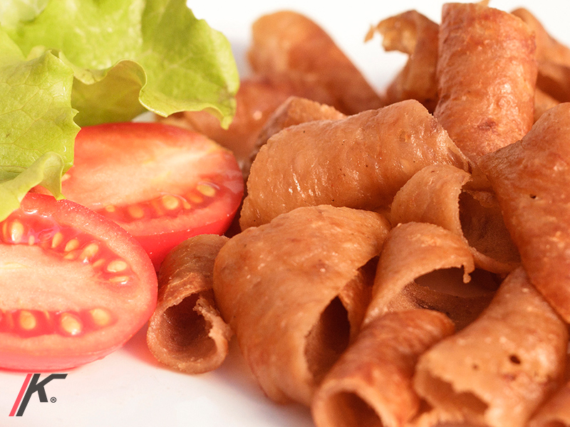 sliced kebab-style beef and turkey meat with salad