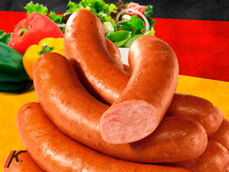 Krakauer sausage with salad and peppers